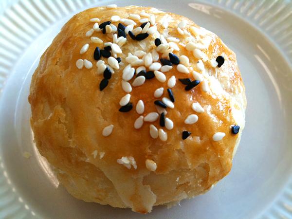 Dean Sin World - Date Sesame Cake