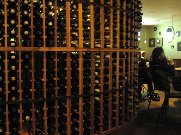 vinoteque-bottles
