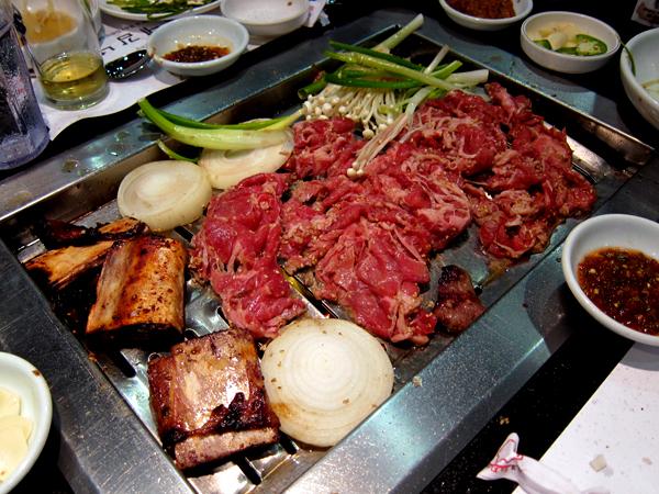 Park's BBQ - Bulgogi on Grill