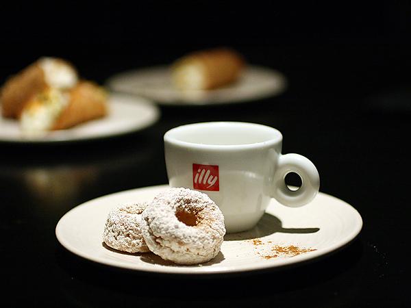 Villetta, Brentwood - Doughnuts Warm Milk