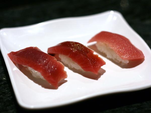 Sushi Park: bluefin tuna, bluefin tuna with sauce, bluefin toro