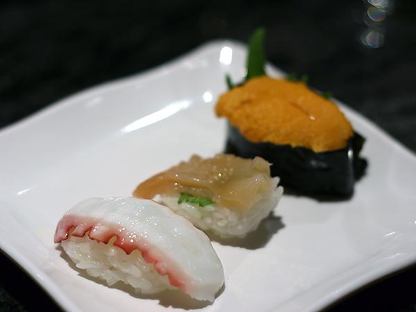 Sushi Park: octopus, surf clam, uni
