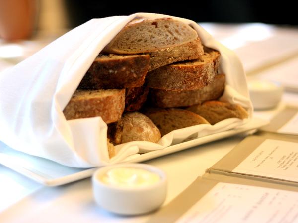 Marche Moderne, Costa Mesa - bread
