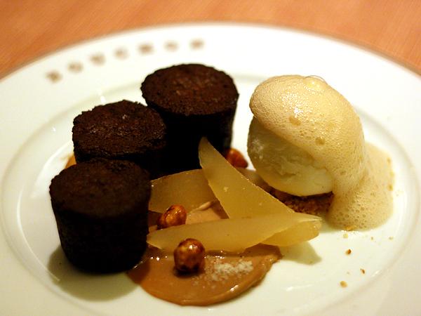 Bouchon - chocolate bouchons, hazelnut ice cream