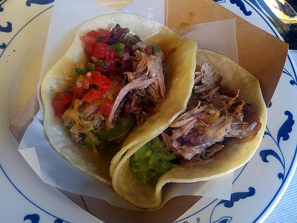 Escuela Taqueria - carnitas tacos