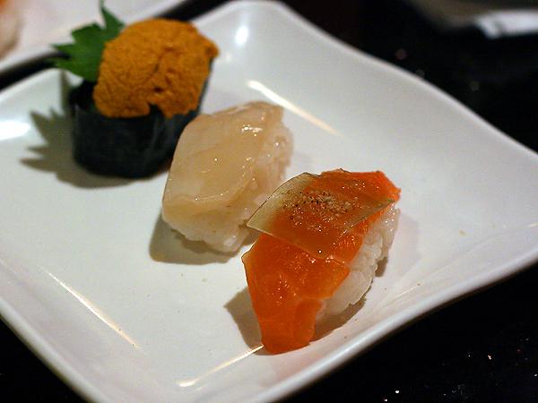 Sushi Park - uni, scallop, salmon sushi