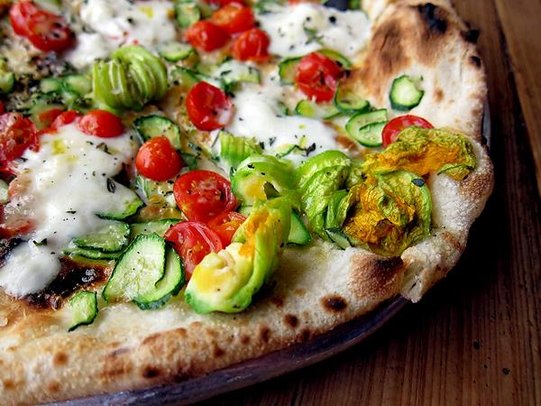Gjelina restaurant, Venice - Cherry Tomato Squash Blossom Burrata Pizza
