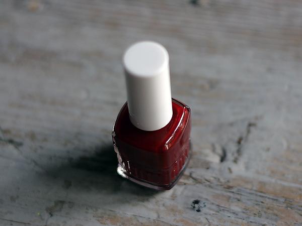 Duri Nail Polish 'Pinot Noir'