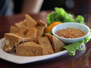 Ruen Pair Thai restaurant - deep fried tofu