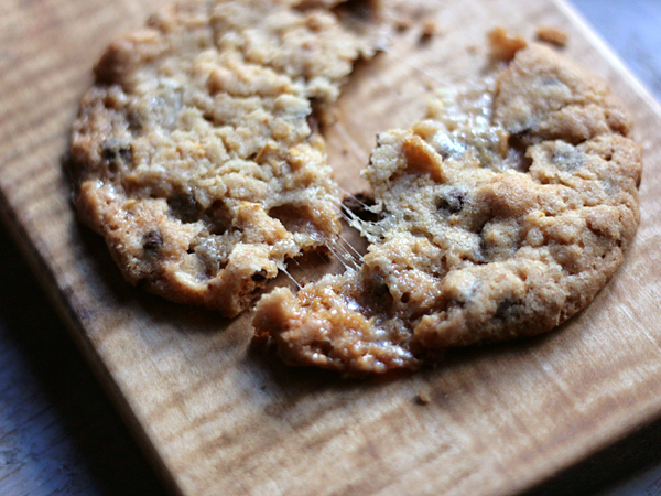 Post image for Chocolate Chip Marshmallow Cornflake Crunch Cookies {recipe} – Broken