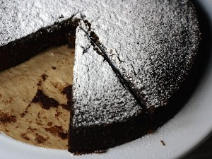 Guinness gingerbread - top with powdered sugar