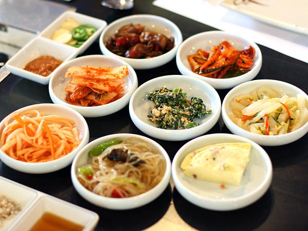 SoHyang Korean Restaurant - ban chan