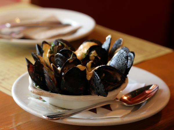 mozza-pizzeria-mussels