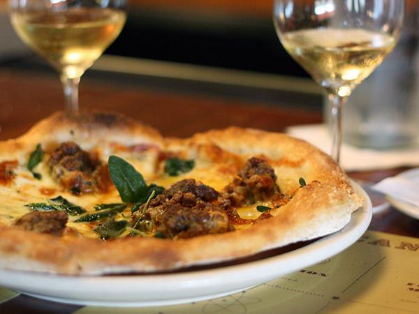 mozza-pizzeria-sausagefennel