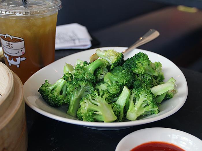 Din Tai Fung, South Coast Plaza - broccoli