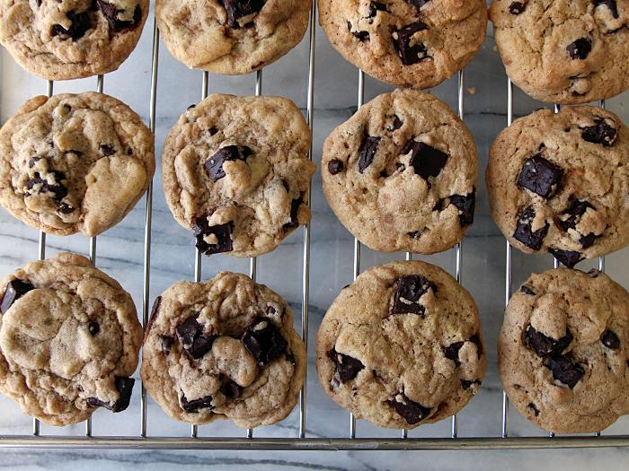 brownbutterchocolatechipcookies-rack