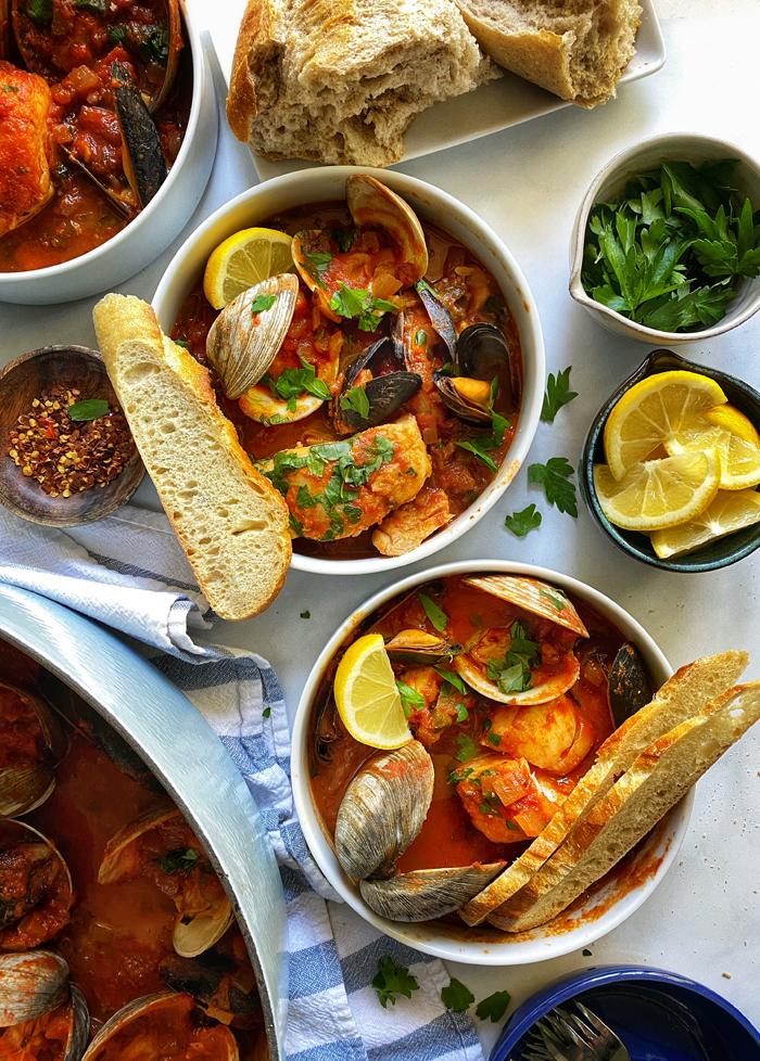 cioppino-sanfrancisco-seafood-stew-bowls